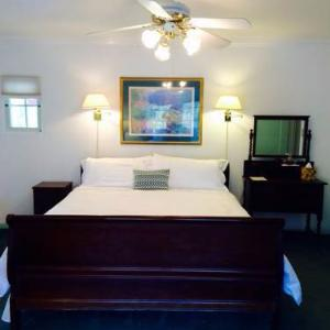 Old Yacht Club Inn Vacation Rentals