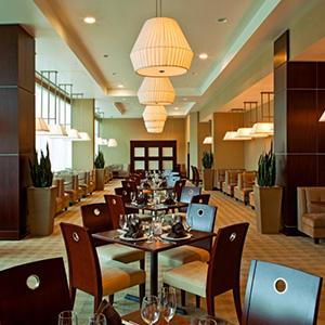 Crossings Restaurant, Bar & Lounge