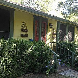 Groovy Two Wee Cottages Bed Breakfast Fredericksburg Tx Interior Design Ideas Clesiryabchikinfo